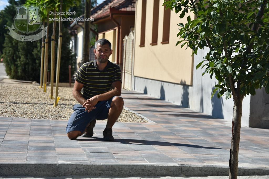 A minőségi térkőhöz profi kertépítő szükséges